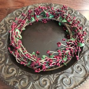 Berry decor table wreath.